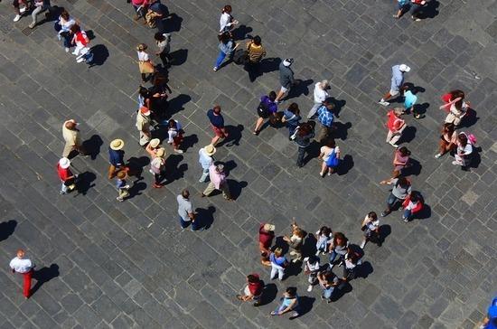 В Италии больше половины населения выступила за возобновление очных занятий в школах