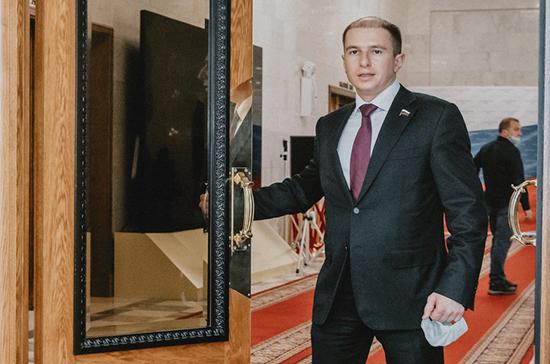 Романов призвал продлить меру по сдерживанию роста цен на продукты до восстановления экономики