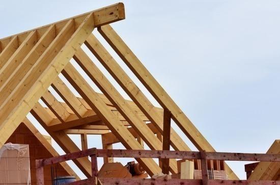 Многодетным семьям предлагают дать 450 тысяч рублей на строительство дома