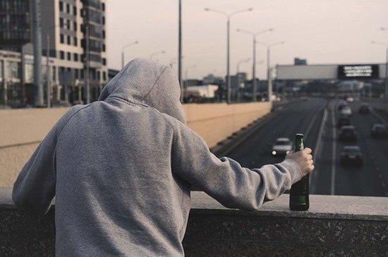 В Росстате назвали регионы с самыми пьющими мужчинами