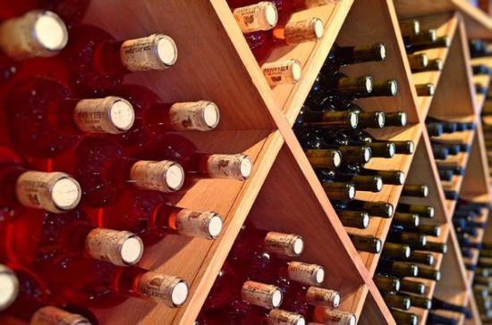 Минсельхоз обяжет уничтожать недоброкачественное вино в течение двух месяцев