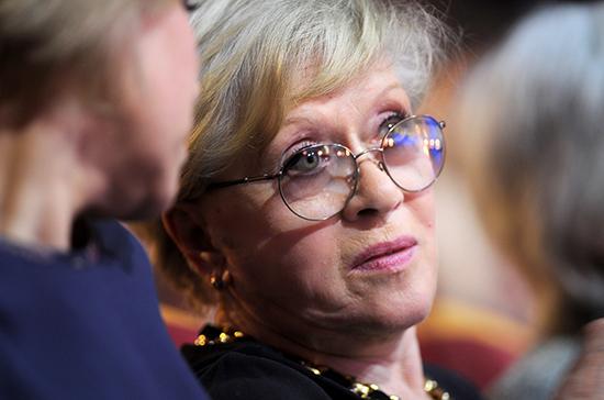 Алису Фрейндлих госпитализировали с COVID-19