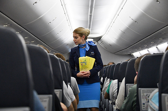 В Роспотребнадзоре оценили риск заражения COVID-19 в самолёте