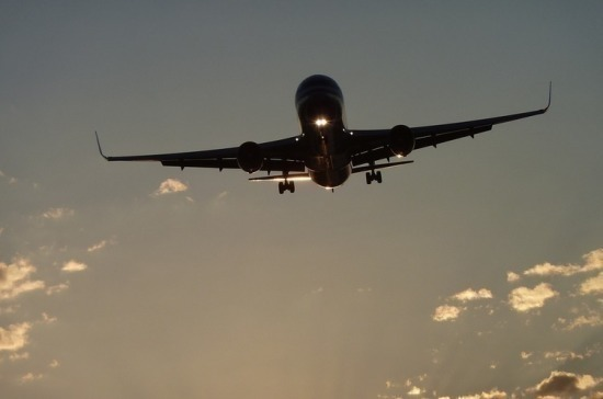 Спасатели обнаружили обломки разбившегося в Индонезии Boeing