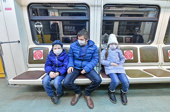 Власти Москвы рассказали, как школьникам продлить проездные