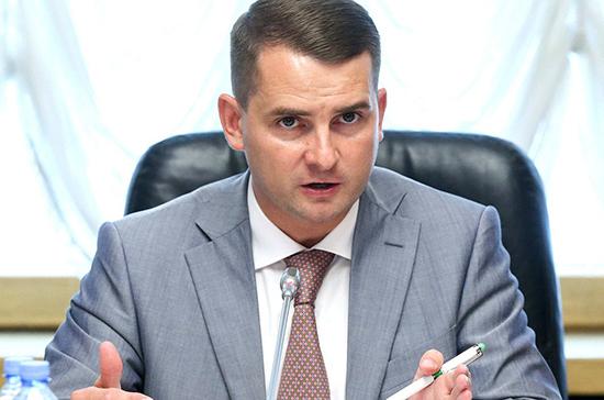 Ярослав Нилов оценил идею эксперимента по замене водительских прав на QR-коды