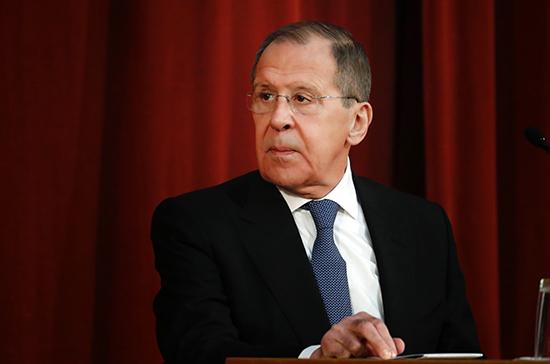 Лавров заявил о неуважении техногигантов к конституциям стран