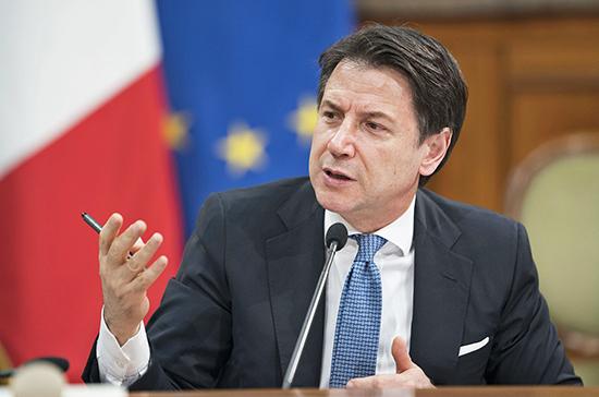 Премьер Италии выступил в сенате с сообщением о политической ситуации