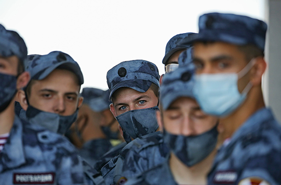 Госзащиту смогут распространить на гражданских сотрудников разведки и Вооружённых сил