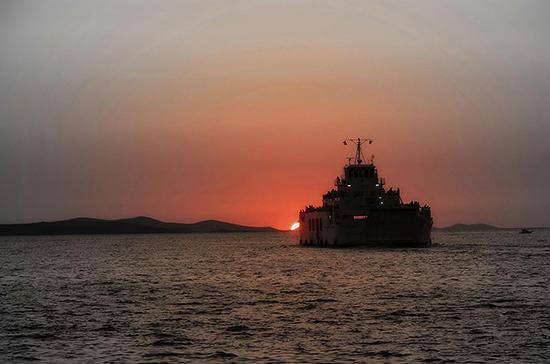 Американский эсминец Porter зашел в Черное море