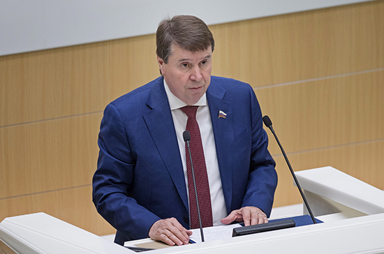 Цеков прокомментировал новые санкции Украины против России