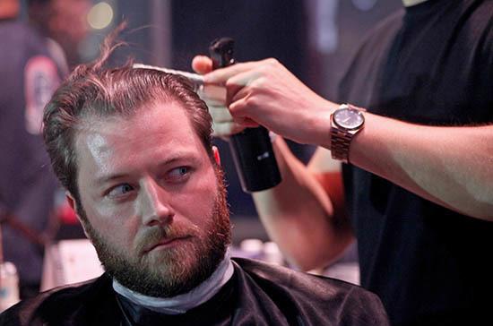 Работа парикмахером и курьером перестанет считаться альтернативной службой