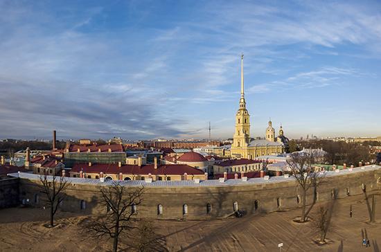 В Петербурге ослабили ограничения для кафе и кинотеатров