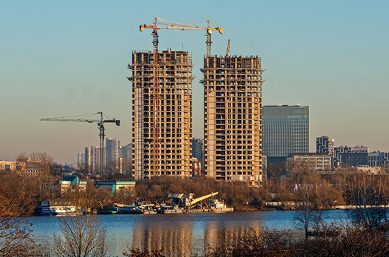 Минстрой снова хочет сократить число требований к безопасности зданий