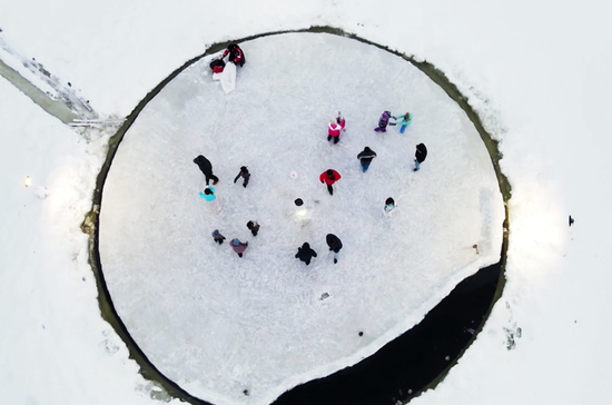 Необычный зимний аттракцион создали в Карелии