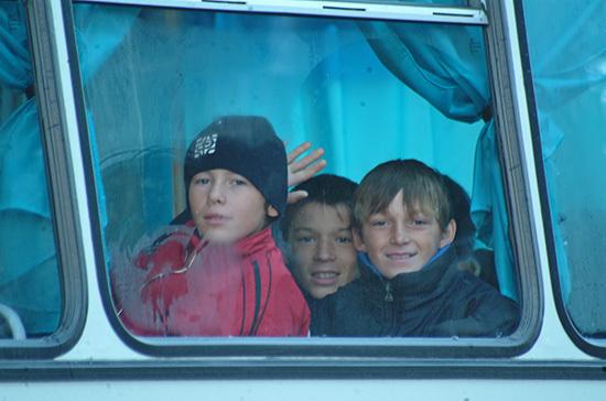 Кабмин предлагает запретить высаживать детей из транспорта