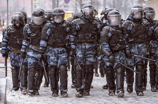 В России вырастут штрафы за неподчинение полиции на митингах