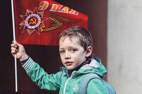Школьников хотят научить защищать Родину