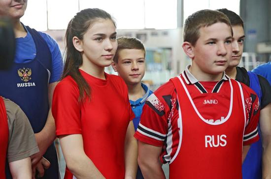 Училище олимпийского резерва в Крыму хотят назвать именем испанского героя