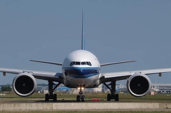 Boeing рекомендовала приостановить полеты лайнеров 777 после ЧП с двигателем