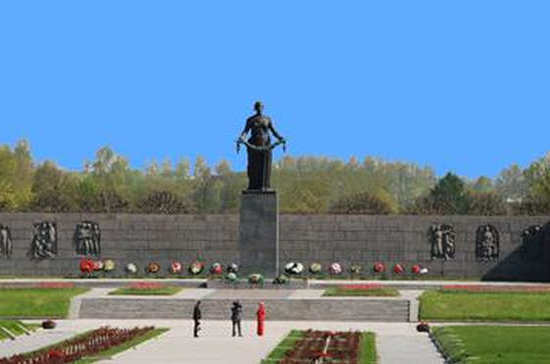 Андрей Турчак и Вячеслав Макаров возложат цветы к монументу «Мать-Родина»