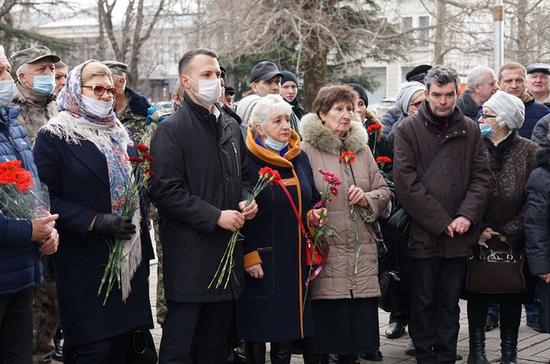 В Крыму почтили память погибших в столкновениях с экстремистами в феврале 2014 года