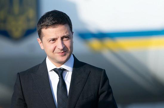 Зеленский продлил отстранение главы Конституционного суда Украины