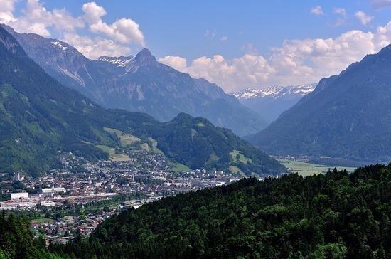 На западе Австрии решили смягчить карантинные меры