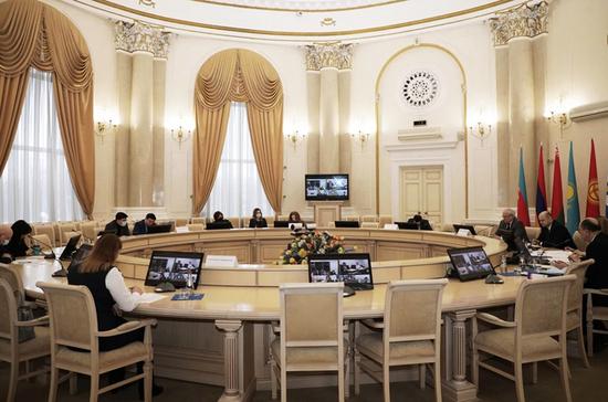 Страны— участники СНГ планируют создать комиссию поправам человека