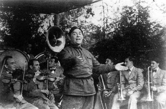 Почему в СССР был популярен театральный джаз