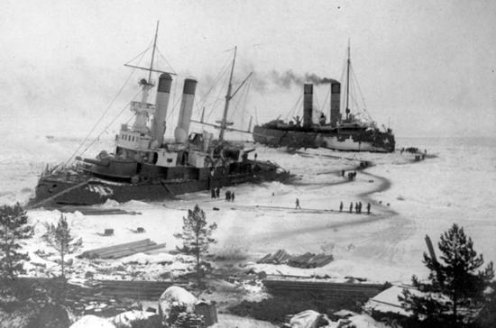 Арктические льды покорились русским кораблям
