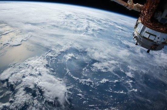 Космонавты выкинули с МКС самый тяжелый в истории мусор