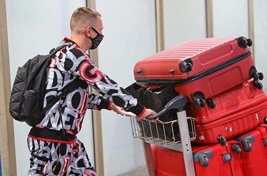 В ЛДПР предлагают обязать авиакомпании выдавать багаж в течение часа