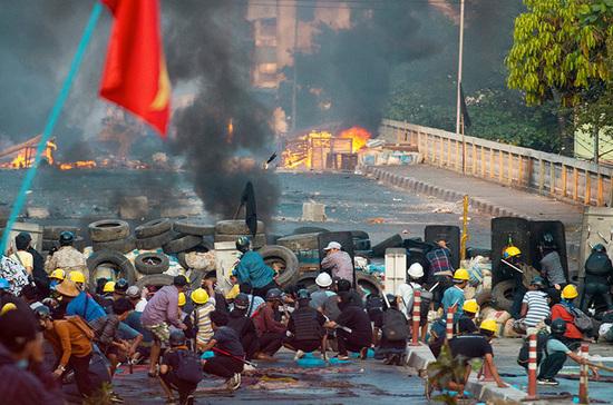 За погромами в Мьянме обнаружили руку Запада, сообщает китайская газета