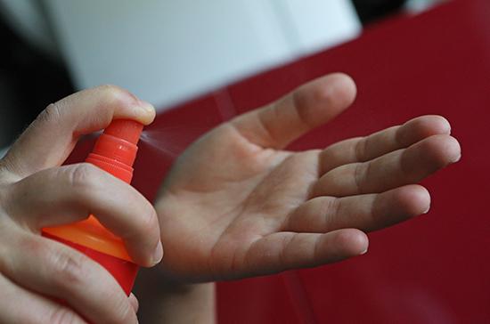 Роспотребнадзор напомнил, что делать при заболевании членов семьи гриппом или COVID-19