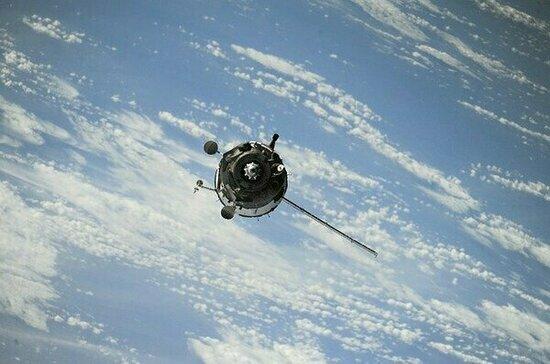 Американский спутник взорвался в космосе