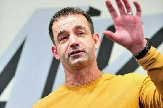 Певцов предложил выдать госпремию разработчикам вакцины от COVID-19