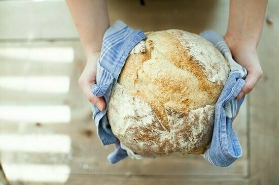 Врач рассказала о вреде свежеиспеченного хлеба