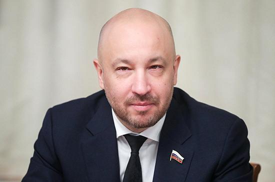 Иркутский депутат предложил распространить налоговый вычет на лечение детей старше 18 лет