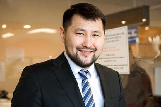 На досрочных выборах главы Якутска победил Евгений Григорьев