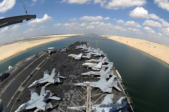 Президент Египта заявил о разблокировке Суэцкого канала