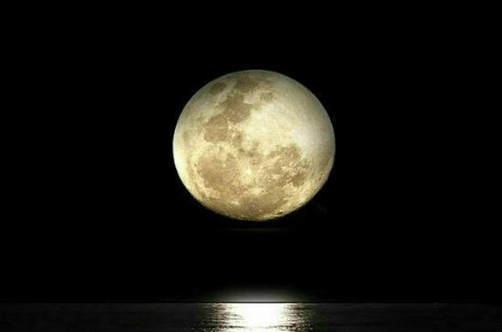 Когда запустили первый спутник Луны