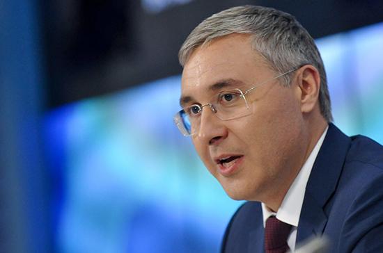Фальков пообещал вести жёсткий разговор с вузами, работающими «вкороткую»