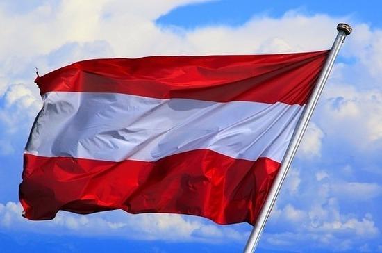 В парламенте Австрии разгорелся спор из-за масок