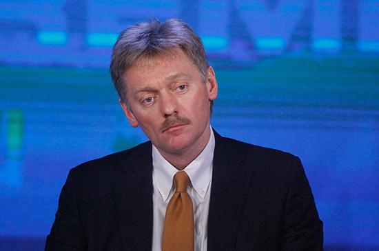 Москва не будет безучастной к русскоговорящим в Донбассе, заявил Песков