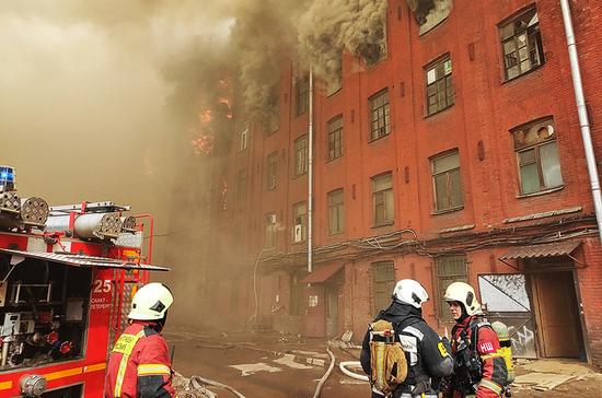 В здании «Невской мануфактуры» в Санкт-Петербурге произошёл пожар