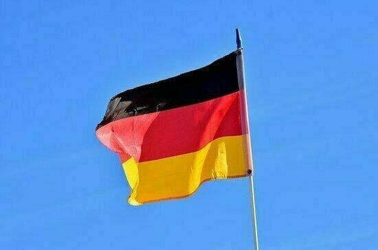Политолог оценил кандидатуры Зёдера и Лашета на пост канцлера Германии