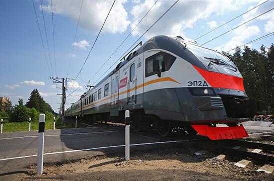 Для автомобилистов повысят штраф за нарушения при пересечении железнодорожных путей