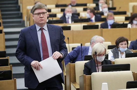 Госдума может на следующей неделе рассмотреть поправки в закон о занятости, сообщил Исаев