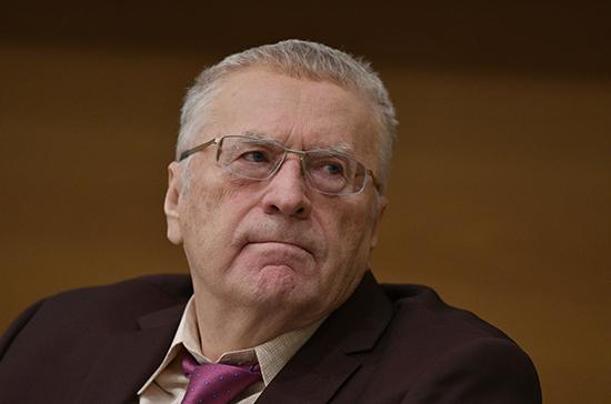 Жириновский предложил приостановить продажу путёвок за границу до окончания пандемии